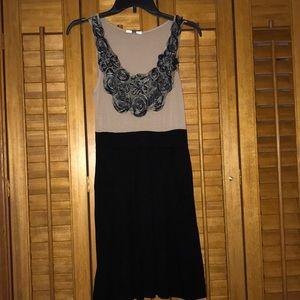 Tan & black dress WITH pockets
